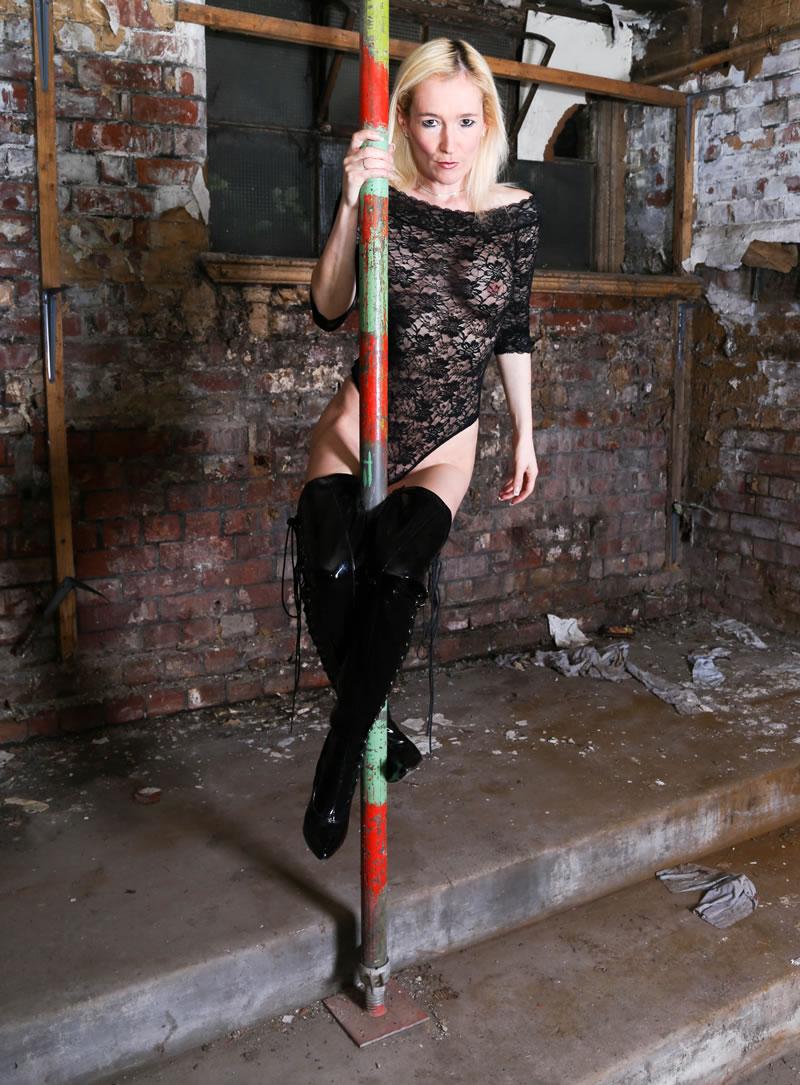 Adult clubs swinging